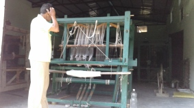 1_AZIMVTH_Ashram_wool_weaving