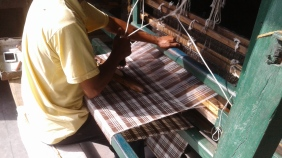 2_AZIMVTH_Ashram_wool_weaving