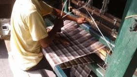2_AZIMVTH_Ashram_wool_weaving